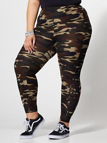 Scout Camo Leggings - GREEN Size 3 - Womens Shirts & Tops