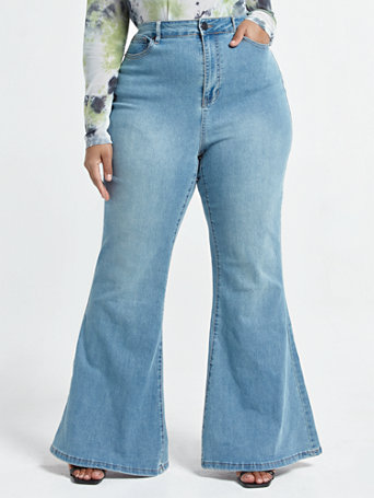 70s Clothes | Hippie Clothes & Outfits Ultra High-Rise Flare Leg Jeans - Short Inseam in Blue Size 20 $41.97 AT vintagedancer.com