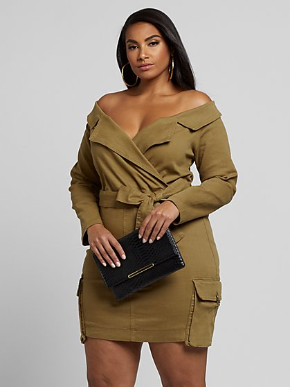 Plus Size Alysse Off-Shoulder Denim Dress with Cargo Pockets - Fashion To Figure
