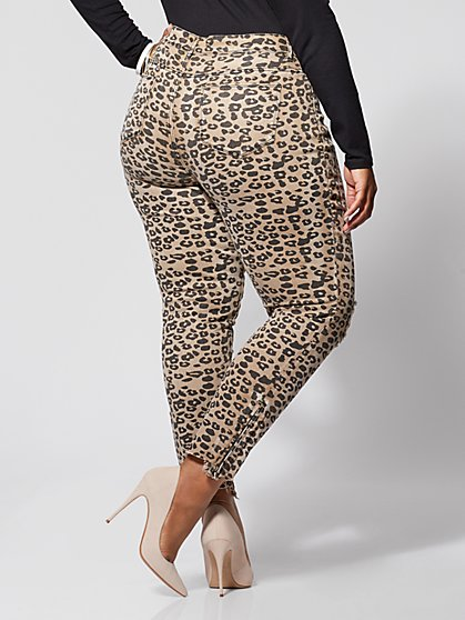 943f694a335 ... Plus Size Animal Print Mid-Rise Skinny Jeans - Fashion To Figure