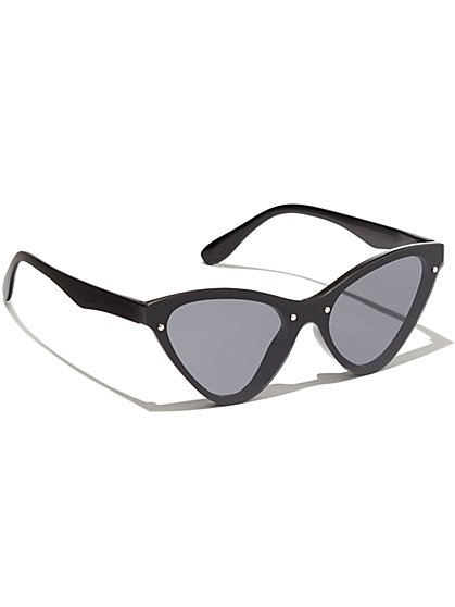 Plus Size Black Cat Eye Sunglasses - Fashion To Figure