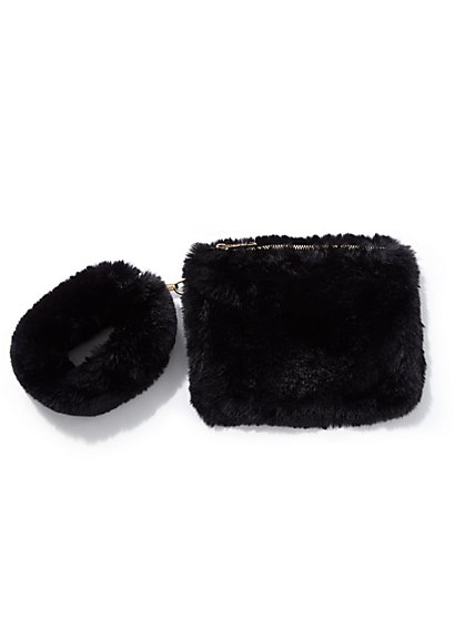 Plus Size Black Faux-Fur Wristlet - Fashion To Figure