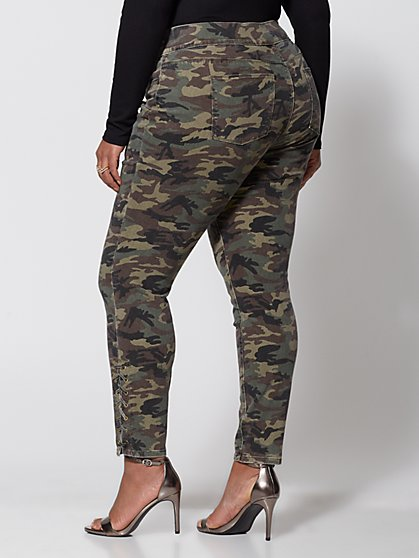 48dfbc17d3f ... Plus Size Camo High-Rise Jeggings - Fashion To Figure ...