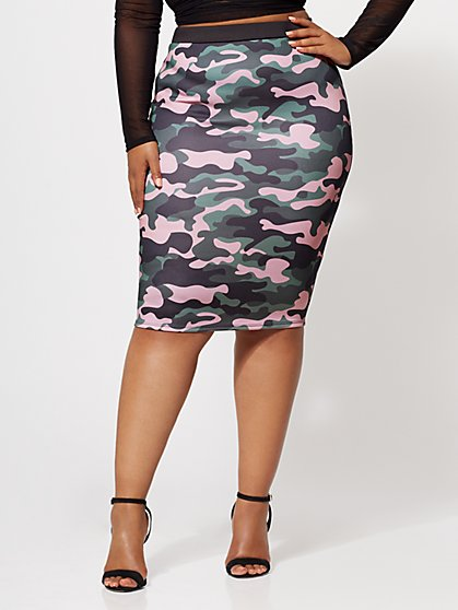 Plus Size Camo Pencil Skirt - Fashion To Figure
