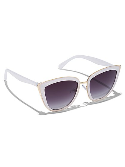 Plus Size Clear Cat Eye Sunglasses - Fashion To Figure
