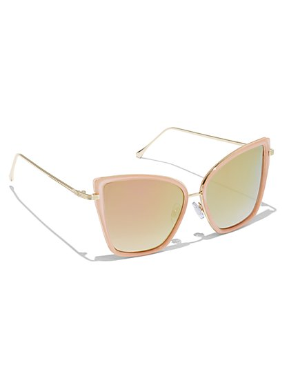 Plus Size Dramatic Oversized Cat Eye Sunglasses - Fashion To Figure