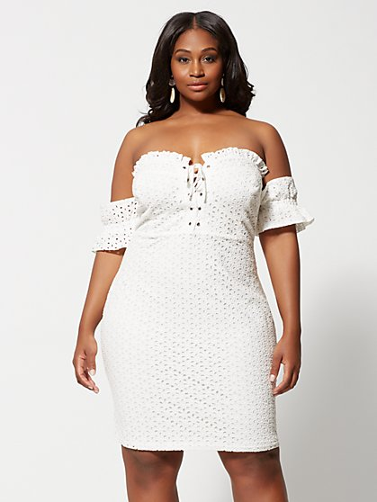 Plus Size Elinore Lace-Up Eyelet Bodycon Dress - Fashion To Figure