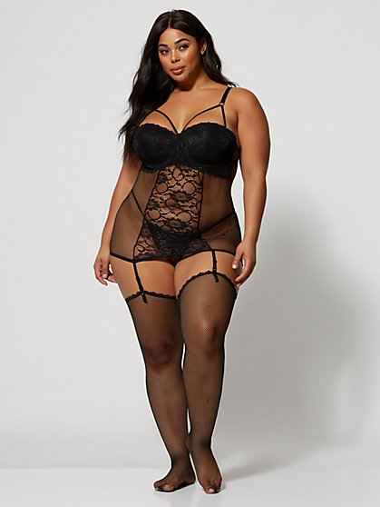 Plus Size Eve Strappy Chemise with Garter and Stockings - Fashion To Figure
