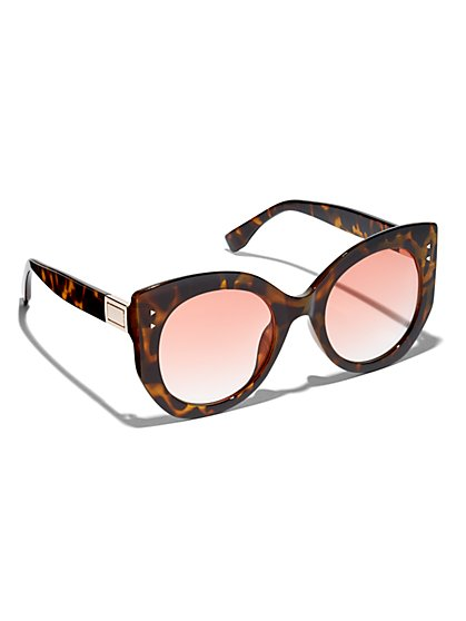 Plus Size Faux-Tortoise Oversized Sunglasses - Fashion To Figure