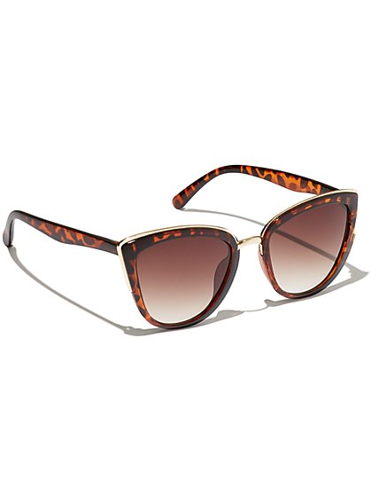 Plus Size Gold-Tone Trim Faux-Tortoise Sunglasses - Fashion To Figure