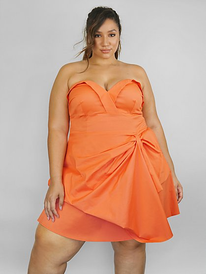 Plus Size Ivy Strapless Dress with Bow Detail - Fashion To Figure