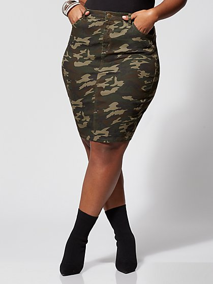 Plus Size Kellie Camo Skirt - Fashion To Figure