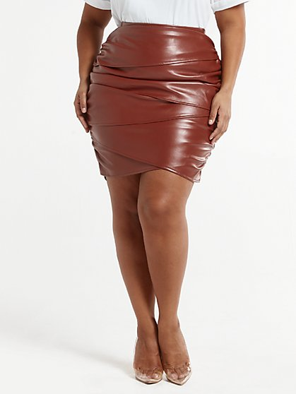 Plus Size Lea Faux Leather Skirt - Fashion To Figure
