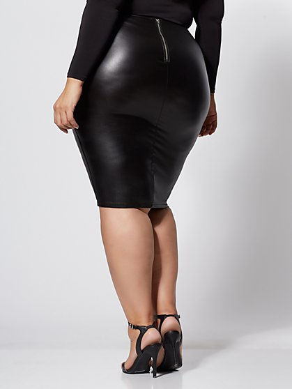 f0a511999d506 ... Plus Size Lola Faux-Leather Pencil Skirt - Fashion To Figure