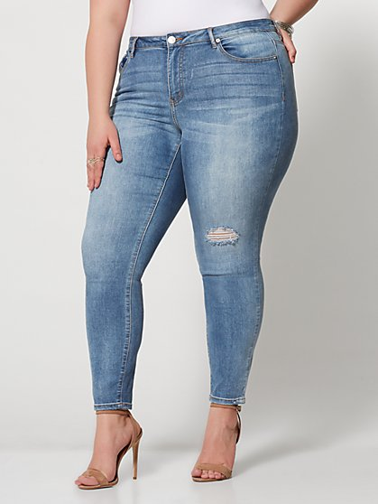 Plus Size Mid-Rise Skinny Jeans - Light Wash - Fashion To Figure