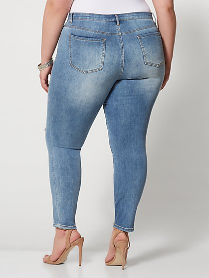 6f651b1d7b ... Plus Size Mid-Rise Skinny Jeans - Light Wash - Fashion To Figure ...