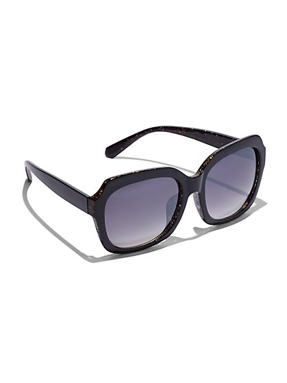 Plus Size Oversized Black Sunglasses - Fashion To Figure
