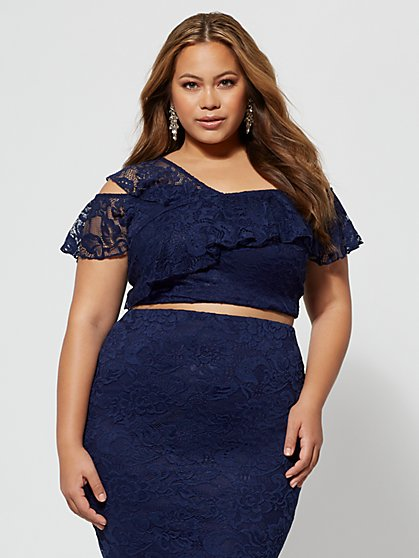Plus Size Paris One-Shoulder Crop Top - Fashion To Figure