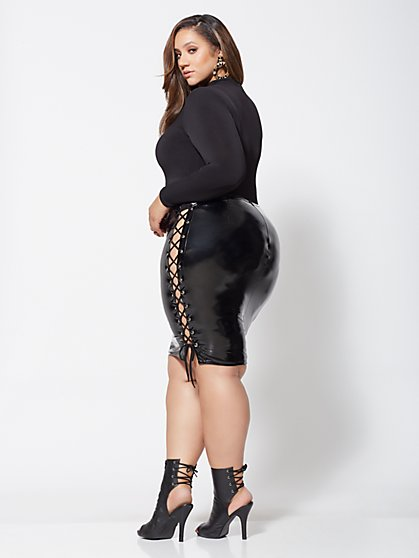 Plus Size Renee Lace-Up Side Vinyl Skirt - Fashion To Figure