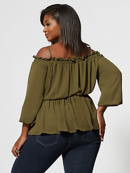 59cb4daa0e Plus Size Tops for Women | Fashion To Figure