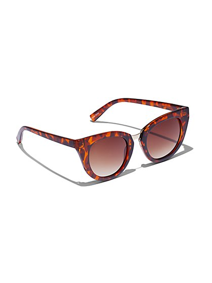 Plus Size Tortoise Shell Cat Eye Sunglasses - Fashion To Figure