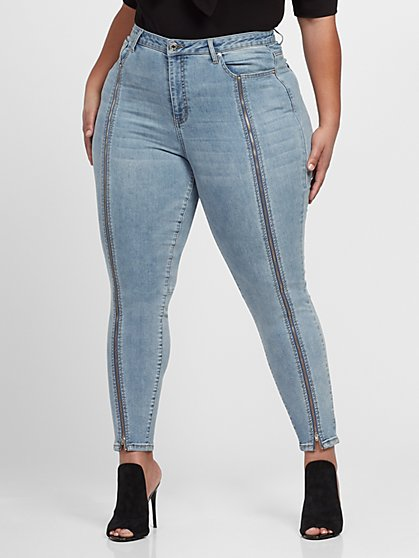 Plus Size Vintage Wash High-Rise Zip Front Skinny Jeans - Fashion To Figure