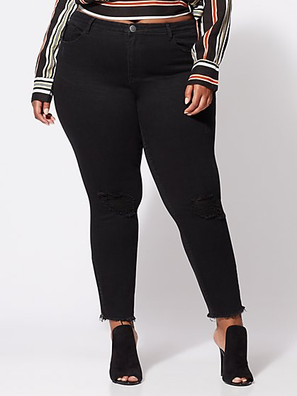 Plus Size Zipper-Accented Black Skinny Jeans - Fashion To Figure